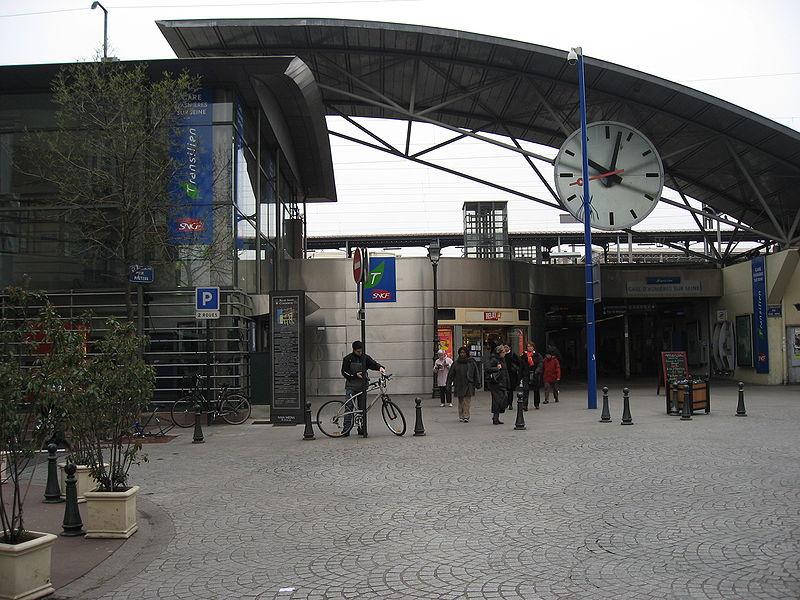 Gare d 39 asni res sur seine horaires en gare d 39 asni res for Asnieres sur seine piscine