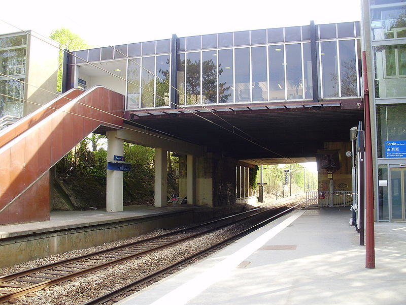 Gare perchée Gare_de_Chaville_-_Rive_Droite