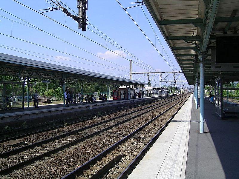 Gare de gagny horaires en gare de gagny for Horaire piscine de gagny