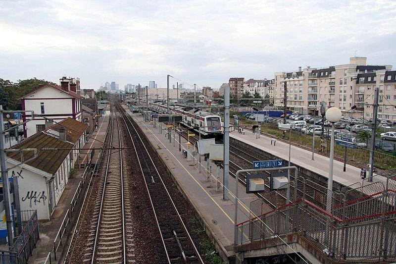 Gare de houilles carri res sur seine horaires en gare for Piscine houilles horaires