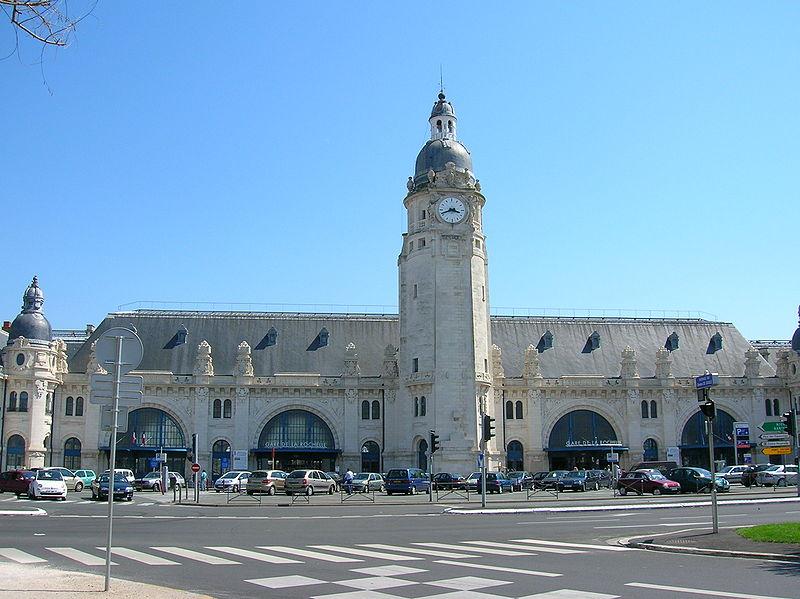Gare de la rochelle ville horaires en gare de la for Piscine de la rochelle