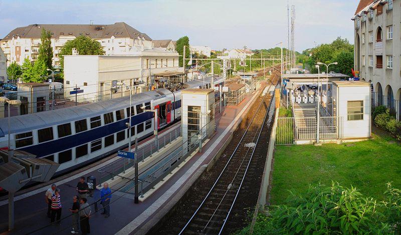 Gare de montigny beauchamp horaires en gare de - Horaire piscine montigny ...