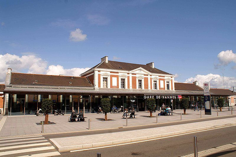 Gare de vannes horaires en gare de vannes for Horaire piscine avranches