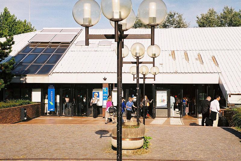 Gare de villepinte horaires en gare de villepinte for Piscine de villepinte