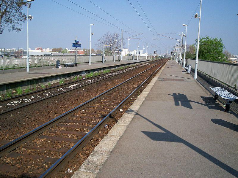 Gare des gr sillons horaires en gare des gr sillons - Horaire piscine gennevilliers ...