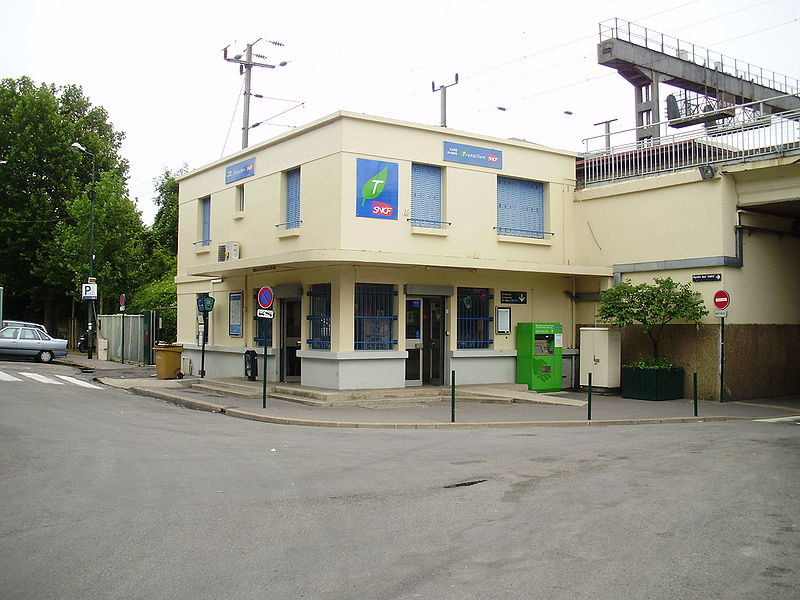 Gare du stade horaires en gare du stade for Horaires piscine colombes