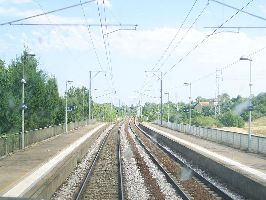 Gare de l 39 isle d 39 abeau horaires en gare de l 39 isle d 39 abeau for Piscine isle d abeau