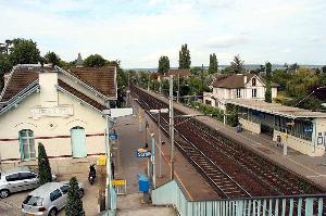 Gare de villennes sur seine horaires en gare de for Horaire piscine le mee sur seine